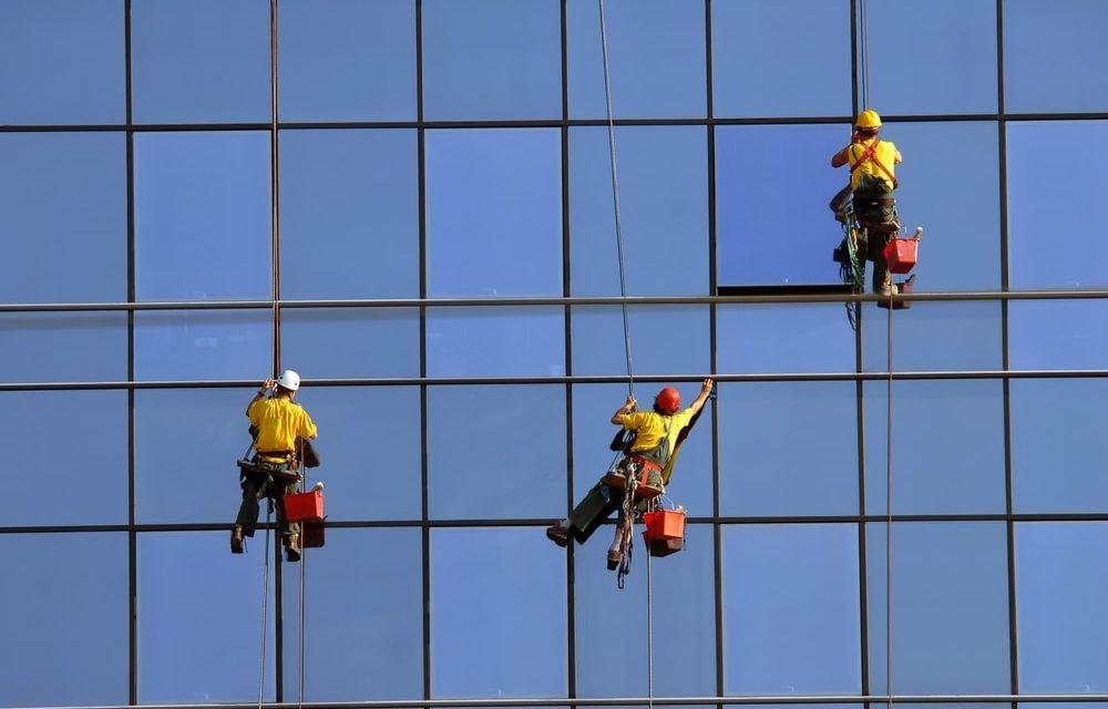Limpeza de fachada de edifício